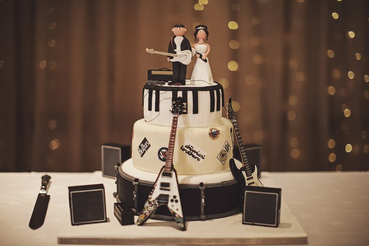 Matrimonio Tema Rock And Roll : Rockin wedding cake