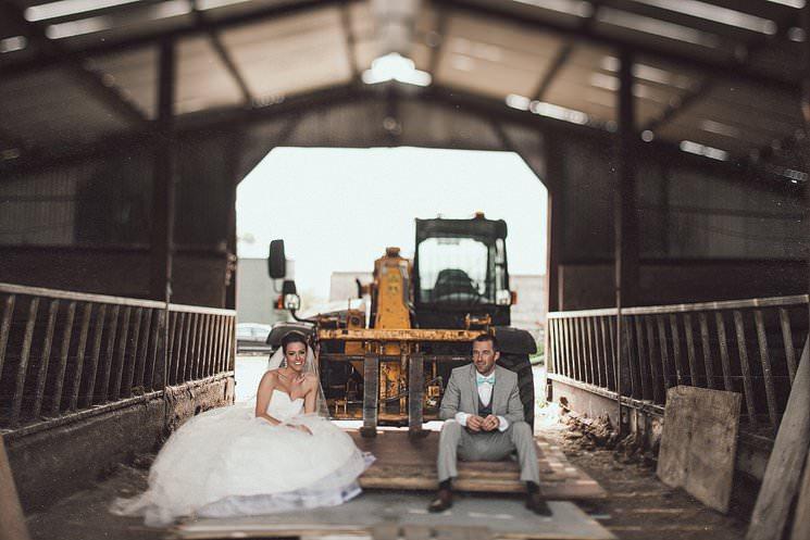 barn wedding portraits