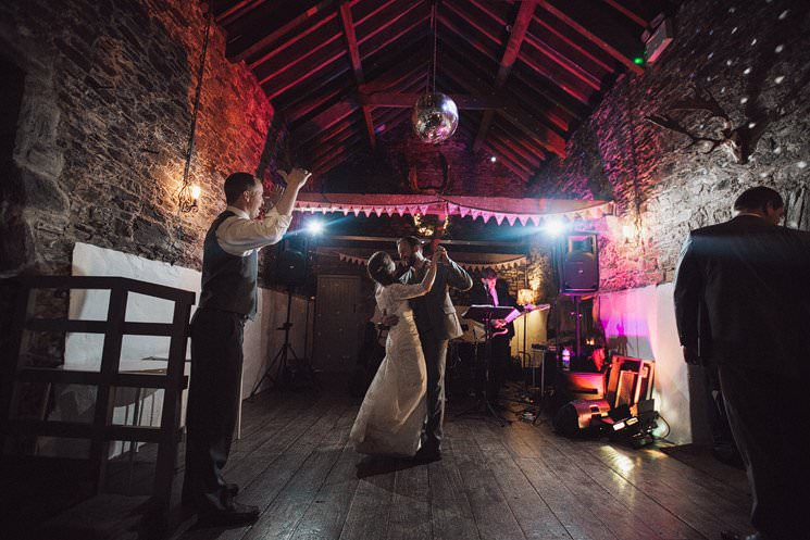 DESTINATION wedding photographer ireland - american in ballyvolane house cork wedding 0124
