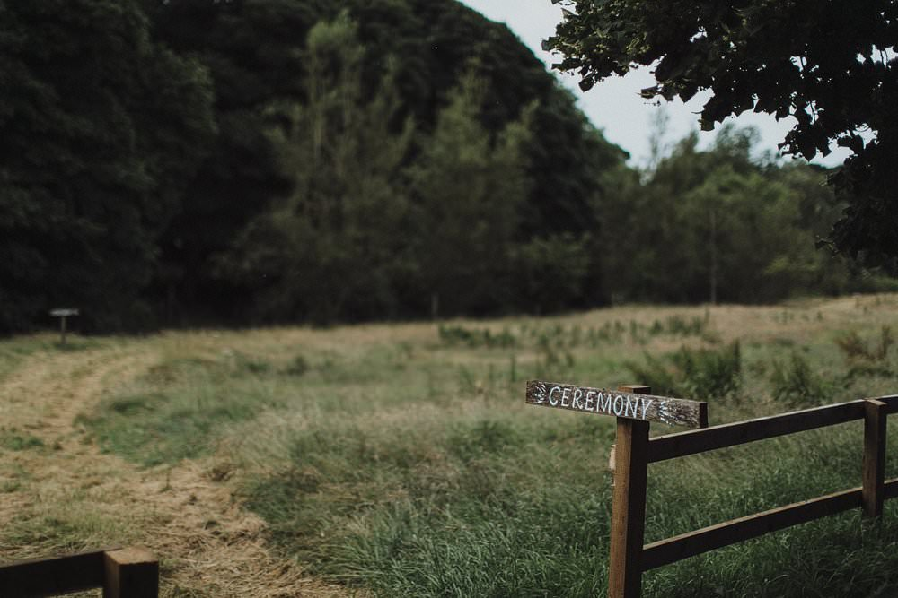 killyon-manor-alternative-outdoor-wedding-0002