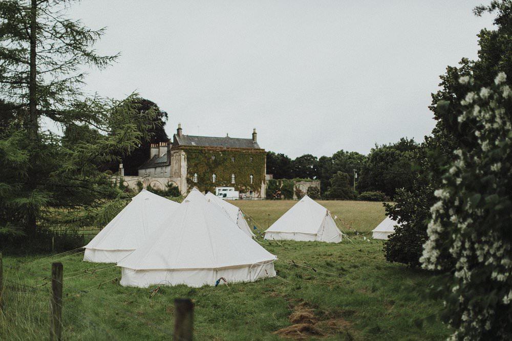 killyon-manor-alternative-outdoor-wedding-0003