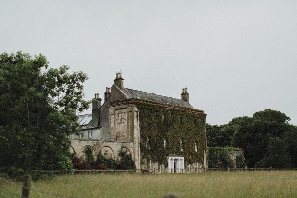 killyon-manor-alternative-outdoor-wedding-0005