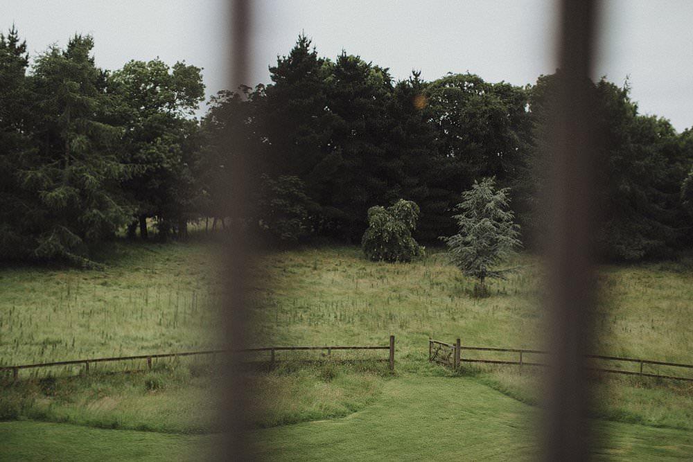 killyon-manor-alternative-outdoor-wedding-0023