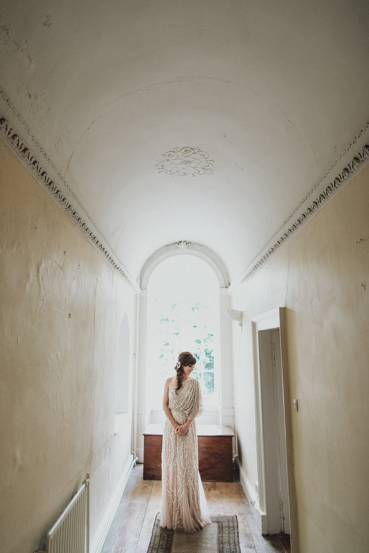 killyon-manor-alternative-outdoor-wedding-0049