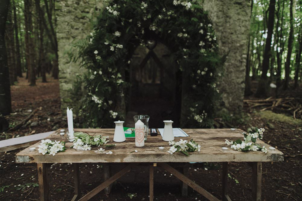 killyon-manor-alternative-outdoor-wedding-0054