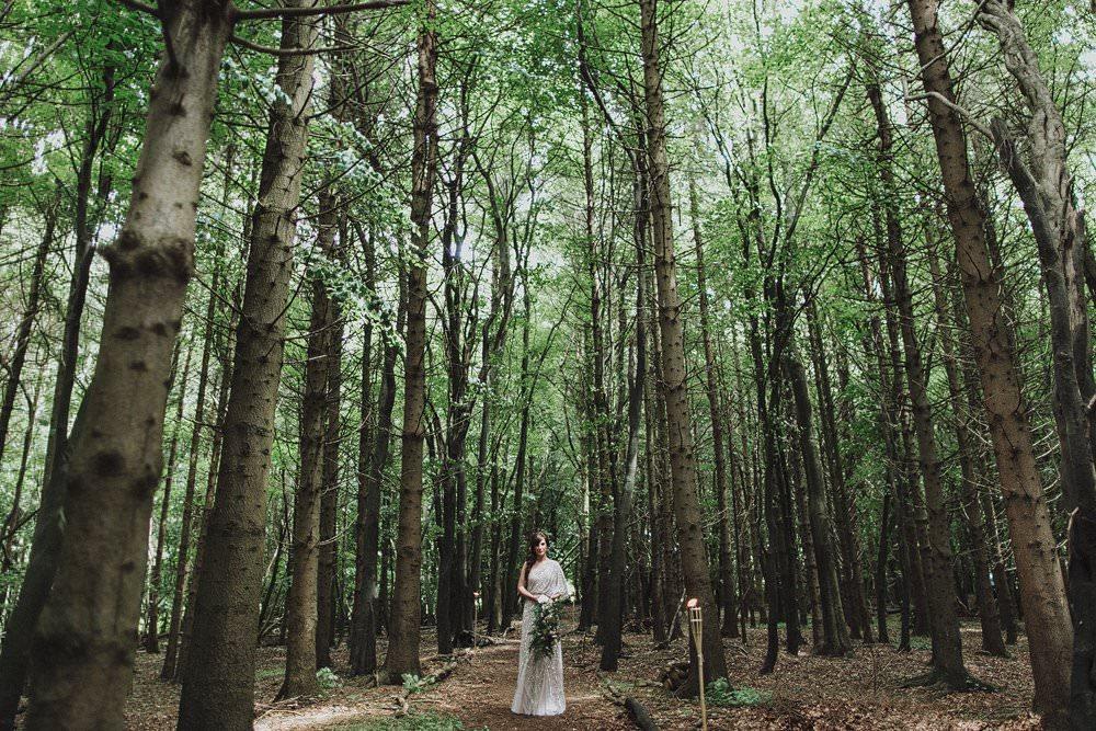 killyon-manor-alternative-outdoor-wedding-0062