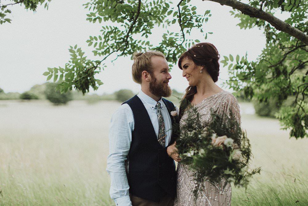 killyon-manor-alternative-outdoor-wedding-0116