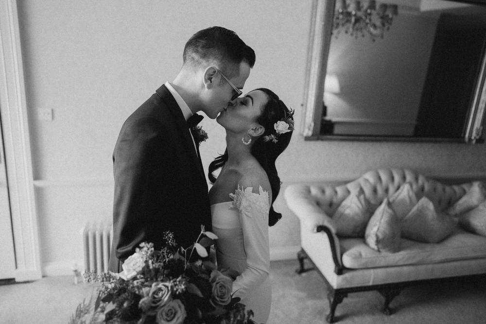 Black&White wedding frames - basis of the photography 10